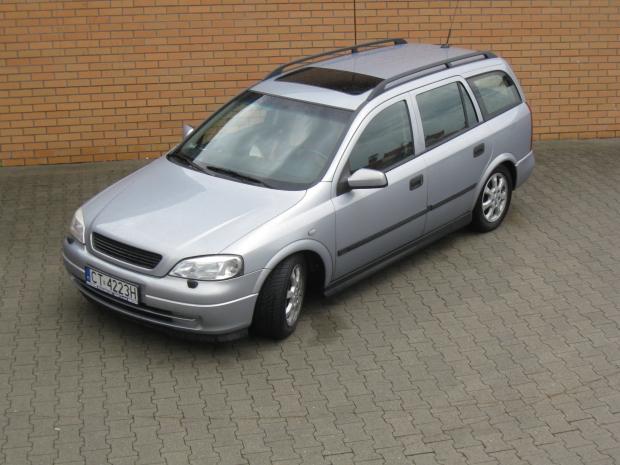 Wynajem samochodów w Toruniu bez limitu kilometrów - Opel Astra II kombi